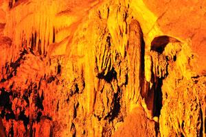 Потоки сталактитов