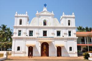 Вид спереди на церковь Св. Анны