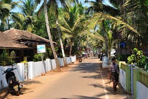 Центральная улица в северной части деревни