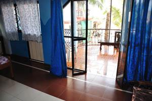 Номер с видом на море в гостевом доме Рыбака: большой балкон