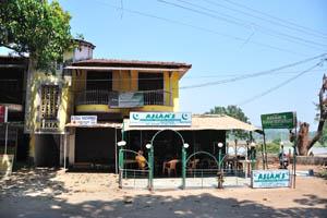 Подлинный вазван ресторан Аслама