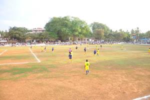 Футбольный стадион Др. Густаво Монтейро, матч начался