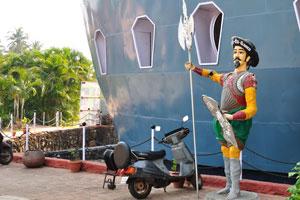 Дом отдыха Мотоцикл Старый Якорь: статуя Васко да Гама