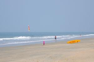 Пляж Кавелоссим широкий и имеет очень небольшой уклон