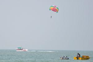 Полёты на параплане над Аравийским морем