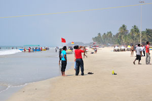 Пляж Колва в полдень