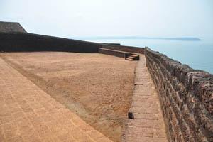 Гладкая поверхность форта