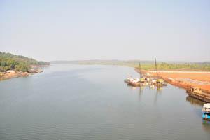 Река Терекхол впадает в море здесь