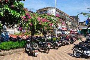 Городская площадь Маргао: место для парковки мотоциклов