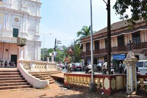 Индийские интерьеры Гипсум рядом с церковью Святого Духа