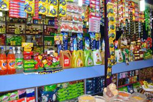 Рынок возле автовокзала Кадамба: очистители и зубные щётки