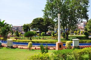 Городской сад Маргао это кластер из различных пейзажей