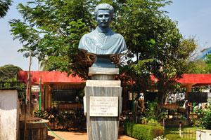 Городской сад Маргао: Д. Мигель де Лойола Фуртадо, подарок от народа Гоа