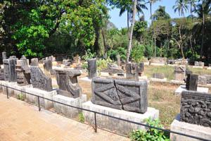 Кладбище рядом с церковью святого Франциска Ассизского