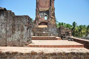 Основание башни св. Августина