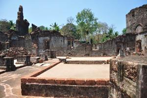 Руины комплекса св. Августина, вид изнутри