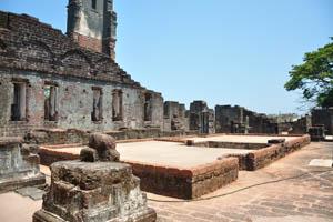 Руины комплекса св. Августина, крыша подземного сооружения