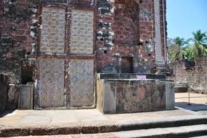 Руины комплекса св. Августина, алтарь Богоматери скорби
