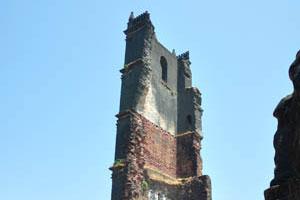 Башня св. Августина это очень тонкая стена сегодня