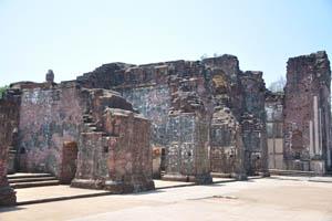Руины комплекса св. Августина, сила средневековья