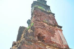 Башня св. Августина, структура стены