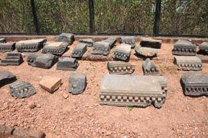 Руины комплекса св. Августина, небольшие фрагменты