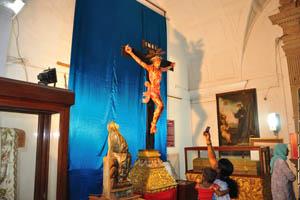 Базилика Бом Иисус, Иисус на кресте