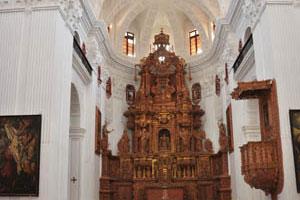 Церковь св. Каэтана, алтарь