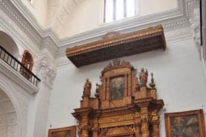 Церковь св. Каэтана, украшения и картины
