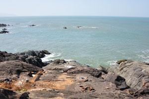 Вид на Аравийское море с каменистого южного мыса