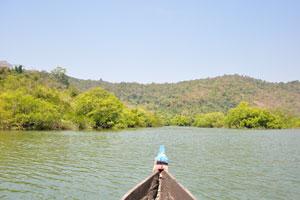 Вид на озеро с лодки
