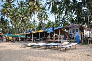 Бар и ресторан Дилан предлагает гоанские и континентальные блюда, морепродукты, тандури и пиццу