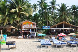 Пляжное кафе Крессида (китайская, итальянская, континентальная и индийская кухня, тандури, морепродукты), КоКо хижины с ванной