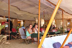 Один из пляжных ресторанов