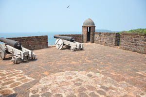 Древние пушки нацелены на Аравийское море