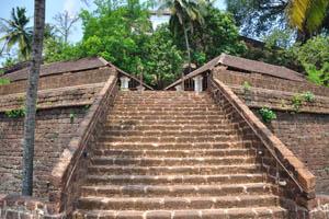 Широкая и короткая лестница