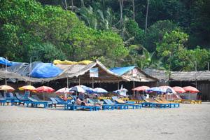 Маленький Вагатор: пляжный шек Ом Шанти Ом и ресторан Кумара