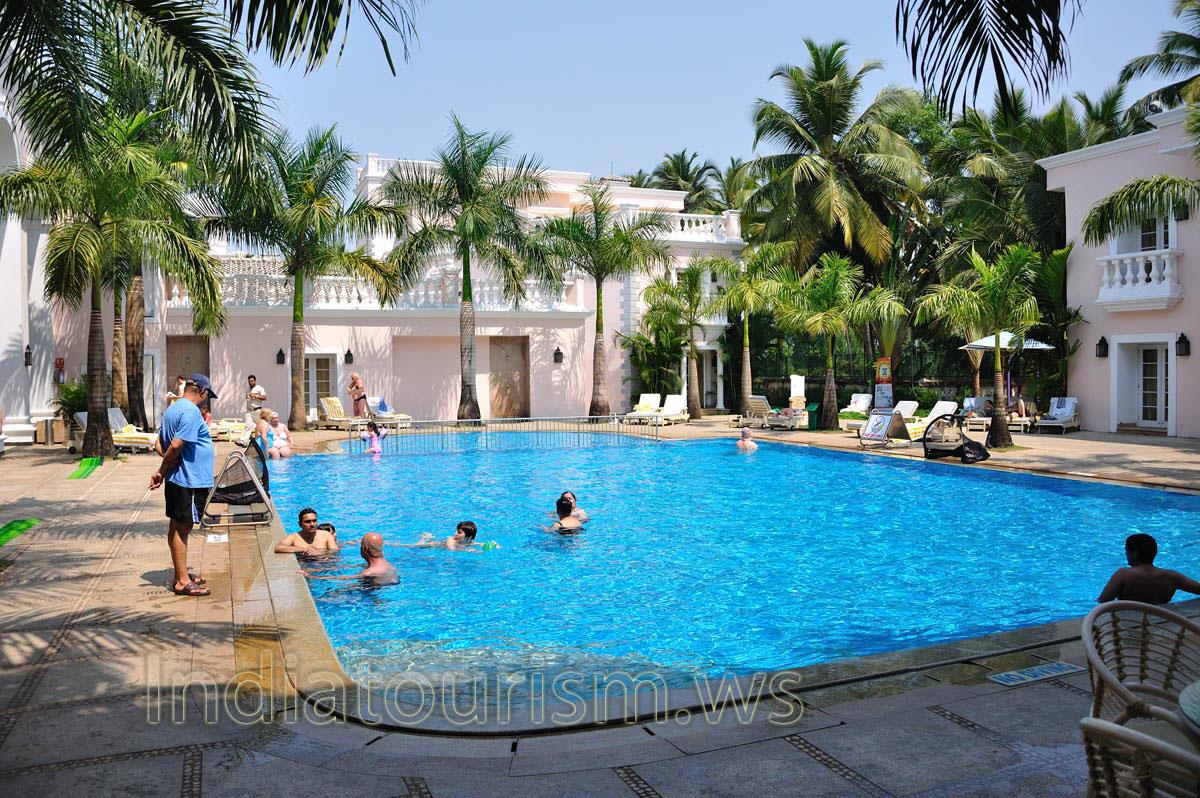 Club Mahindra Emerald Palms 5 Blue Diamond Pool Varca