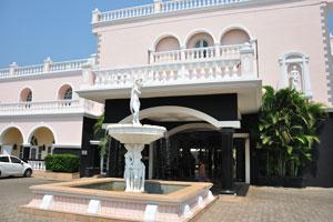 Клуб Махиндра Изумрудные пальмы 5*: фонтан