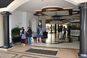 Клуб Махиндра Изумрудные пальмы 5*: вход в здание