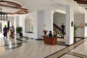 Клуб Махиндра Изумрудные пальмы 5*: высокие потолки и красивая плитка