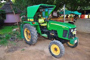 Трактор 'Джон Дир' 5104