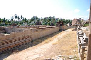 Внешний монастырь