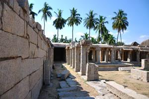 Внутренний двор, колонные веранды