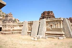 Задняя сторона главного святилища во внутреннем дворе