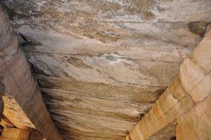 Потолок внутри колонной веранды