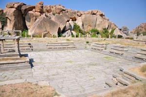 Пустой храмовый резервуар