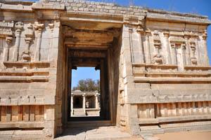 Храм Вараха, небольшой комплекс