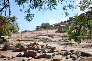 Дорога между храмом Вараха и храмом Виттала