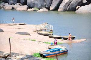 Челноки на реке Тунгабхадра